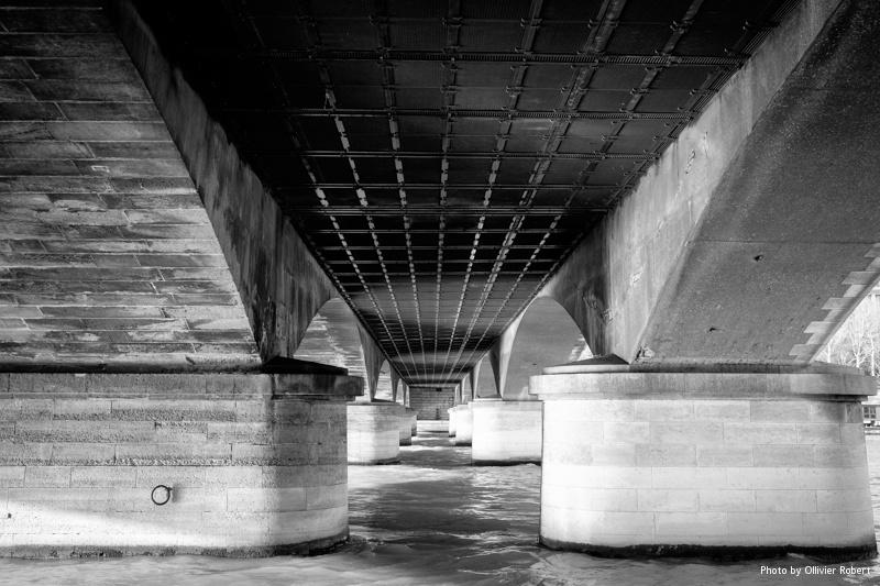 Sous le pont d'Iéna
